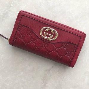 NWT Gucci Wallet!